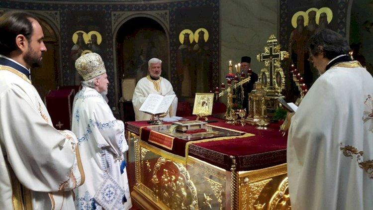 Епископ канадски Митрофан богослужио у Саборном храму у Београду